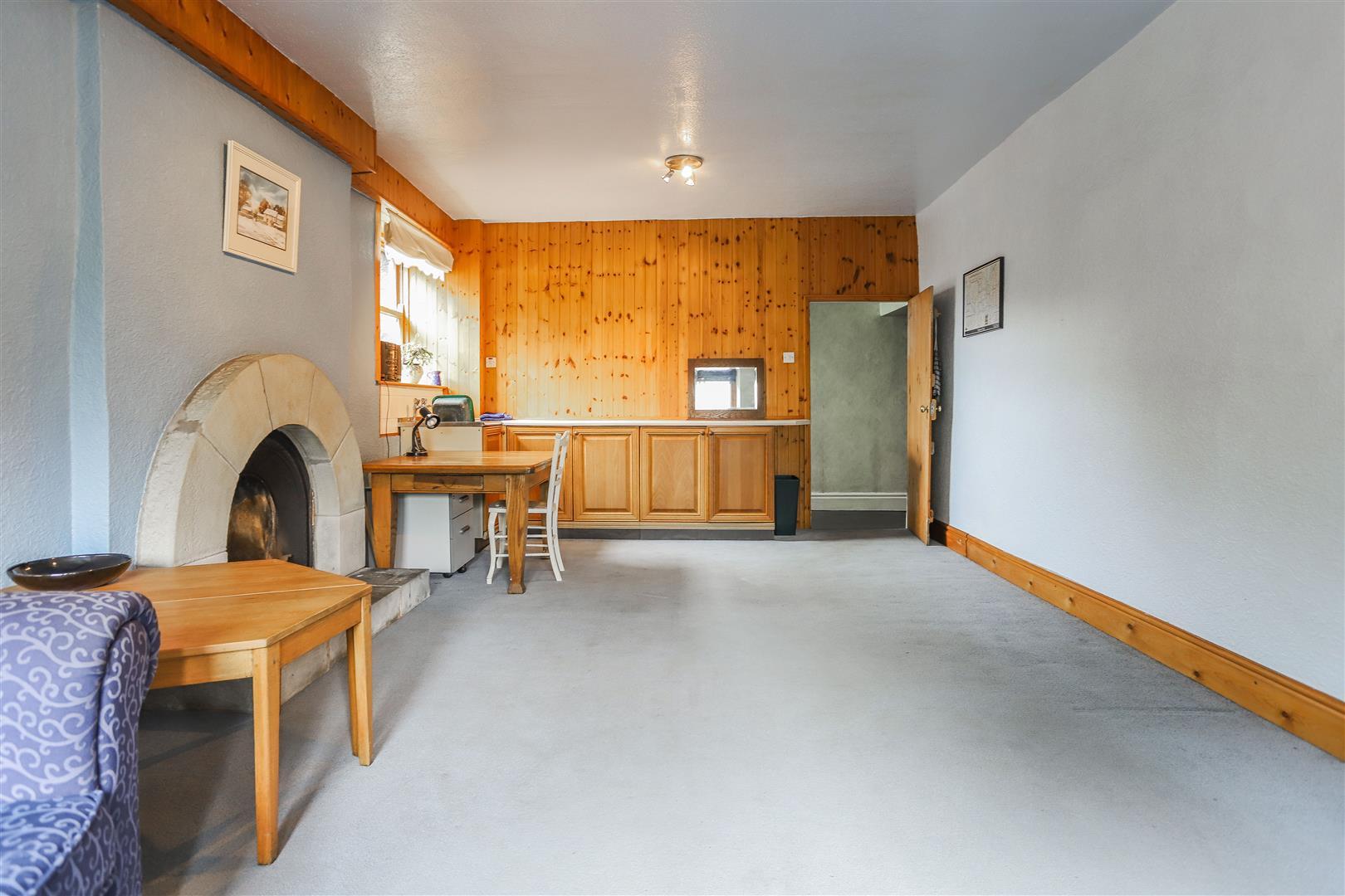 6 Bedroom Detached House For Sale - 13.JPG